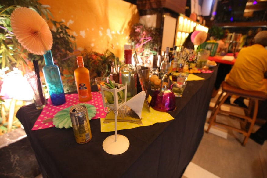 International womens day why pamper the eves on this day news18 a restaurant cum pub in salt lake in kolkata dedicated an entire sunday to pamper women solutioingenieria Image collections