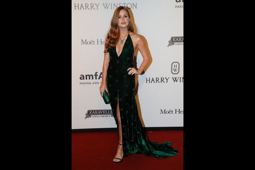 Brazilian actress Marina Ruy Barbosa poses on the red carpet of The Foundation for AIDS Research (amfAR) event in Sao Paulo, Brazil, Thursday, April 27, 2017. (Image: AP)