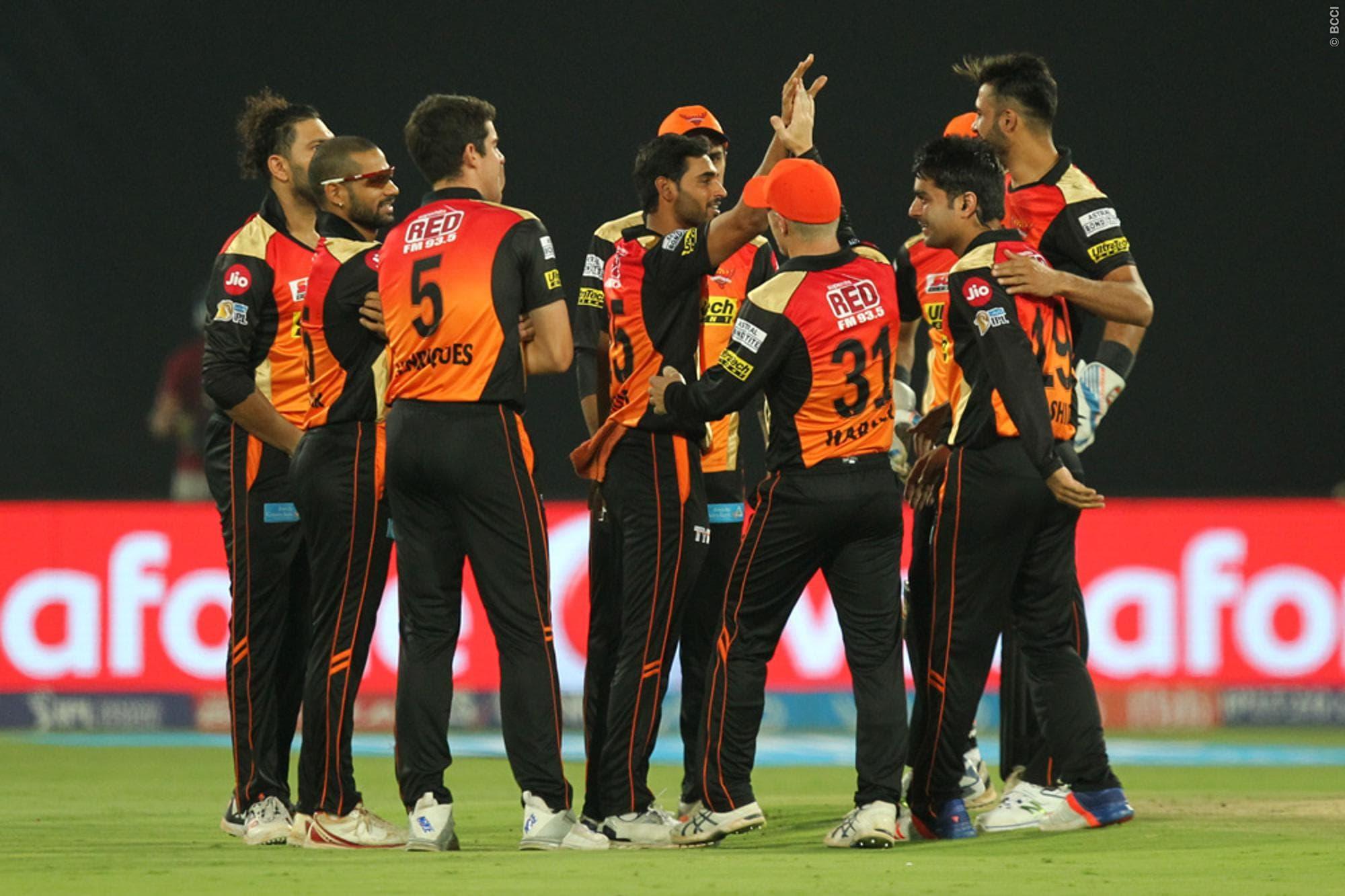 IPL 2017: Bhuvneshwar Takes 5-for, Eclipses Manan Vohra Blitz