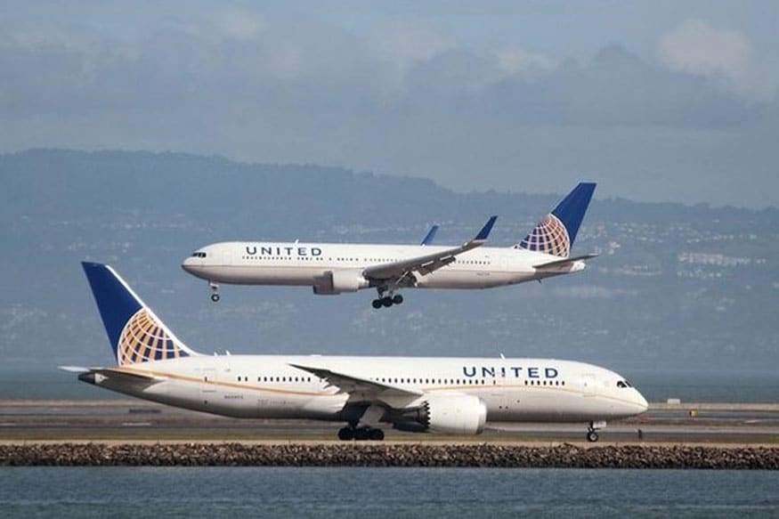 New York-Area Airport Briefly Closed After Plane Lands on Flat Tires