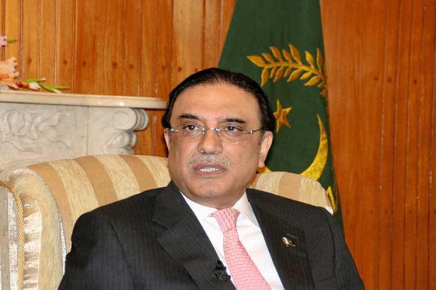 Pakistan Puts Former PM Asif Ali Zardari and His Sister on Exit Control List