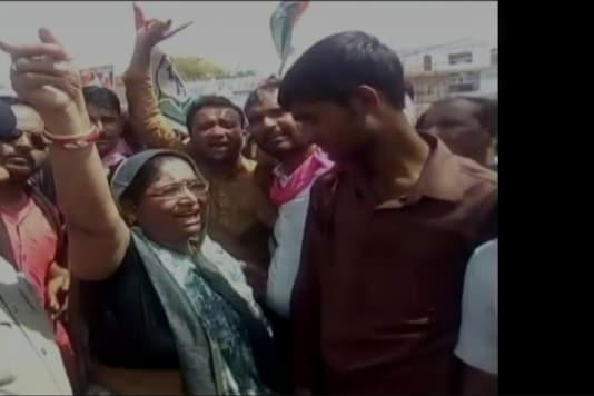 Congress MLA Shakuntala Khatik could be heard encouraging people to set a nearby police station ablaze.  (Photo: CNN-News18)