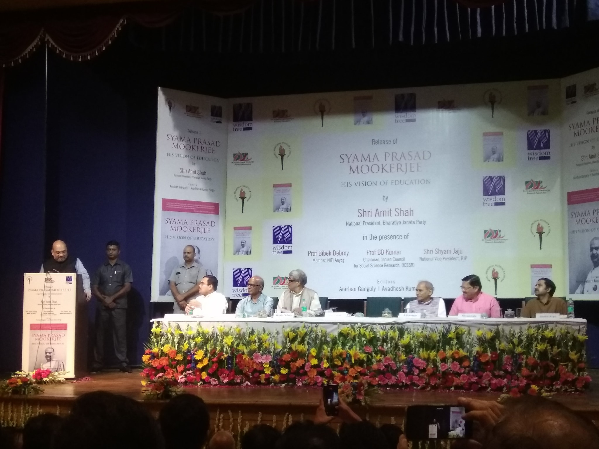 Other speakers at the event included NITI Ayog member Professor Bibek Debroy, Indian Council for Social Science Research chairman BB Kumar and BJP national vice-president Shyam Jaju. (Eram Agha/News18.com)