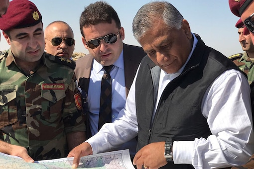 Gen VK Singh with Peshmerga fighters at the frontlines of Mosul. (Twitter/ @Gen_VKSingh)
