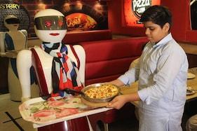 Pizza Hut Pledges To Make Complete Switch To Antibiotic-free Chicken