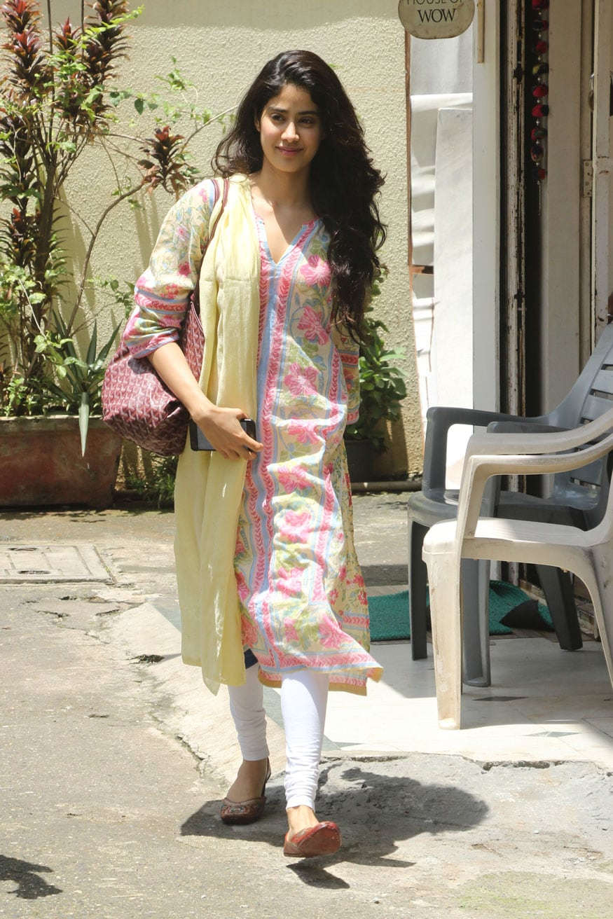 Jhanvi Kapoor at House of Wow Dance Class in Bandra West, Mumbai. (Image: Yogen Shah)