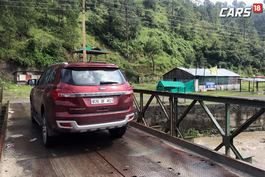 Ford-Endeavour-2.2-6