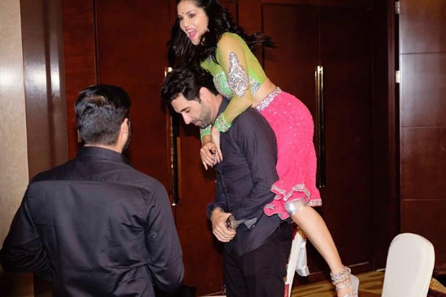 Sunny Leone And Denies Beber