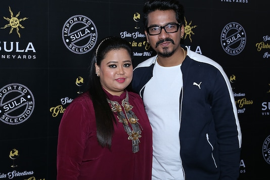 Bharti Singh and Harsh Limbachiyaa pose together during the 2nd edition of Sula Selections 'Globe in a Glass' roadshow 2017 held at Marriott Suites in Pune. (Image: Manoj Sharma)
