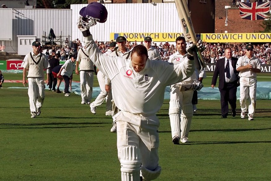 England batsman Mark Butcher (C) runs from the field after steering England to victory over Australia with an innings of 173 not out on the final day of the fourth Test Match being played at Headingley in Leeds 20 August 2001. England cruised to victory scoring 315-4 but trail in the series 1-3.  AFP PHOTO/WILLIAM WEST / AFP PHOTO / WILLIAM WEST