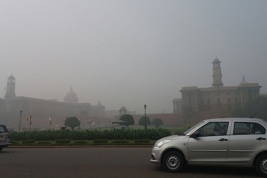 Thick smog cover at the Rashtrapati Bhawan area on Tuesday morning.