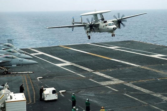 An E-2D Hawkeye plane approaches to the U.S. aircraft carrier John C. Stennis during joint military exercise called Malabar, with the United States, Japan and India participating, off Japan's southernmost island of Okinawa, Japan June 15, 2016. (REUTERS/Nobuhiro Kubo/File Photo)