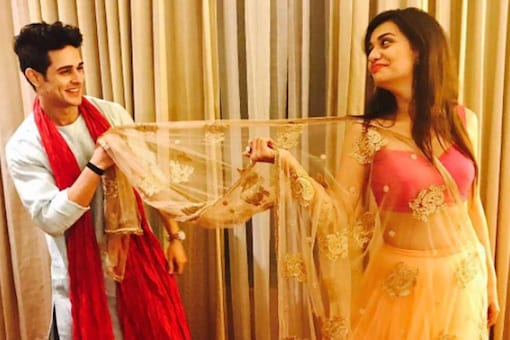 Bigg Boss 11: Priyank Sharma's Girlfriend Divya Agarwal Breaks Up With Him, Says 'He Has No Value for Our Relationship'