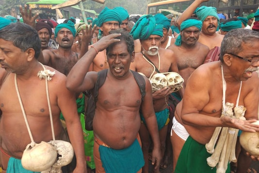 farmers from Tamil Nadu who have been protesting in New Delhi innovatively, like using skulls, to convey their message.