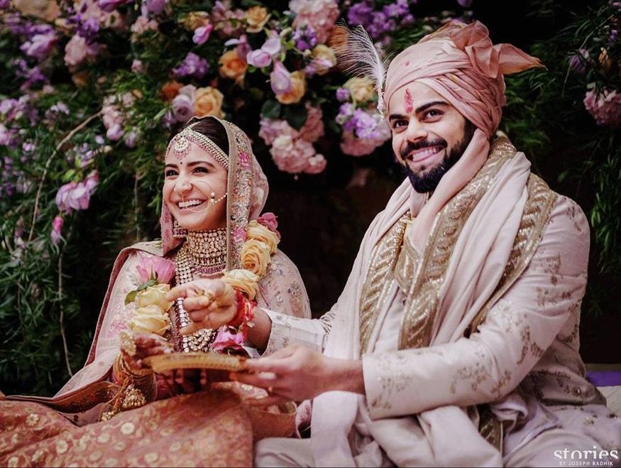 Candid Pictures Of Celebrity Couple Virat Kohli And Anushka