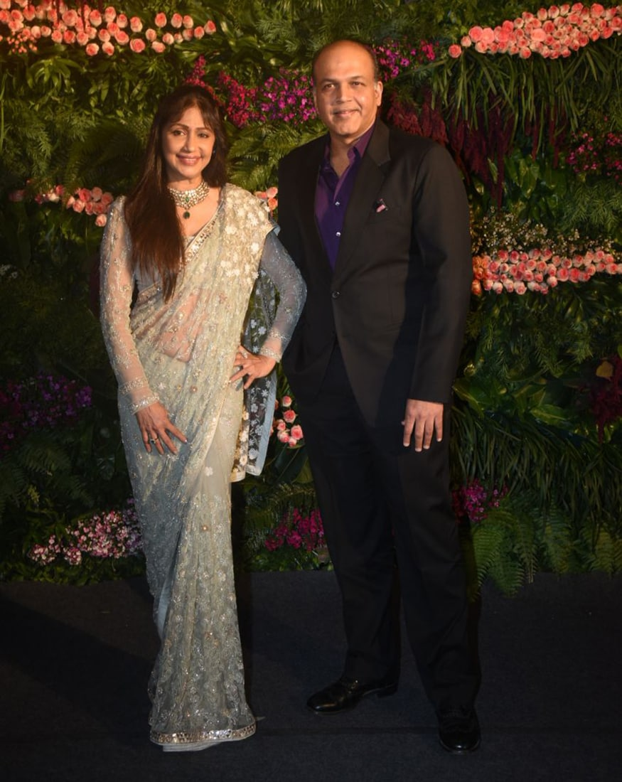 Ashutosh Gowariker and his wife Sunita Gowariker at the wedding reception of Virat Kohli and Anushka Sharma held at St. Regis Hotel in Mumbai on December 26, 2017. (Image: Yogen Shah)