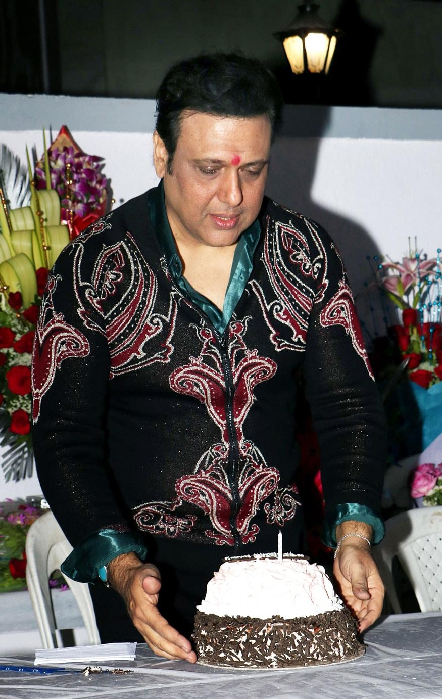 Govinda Celebrates his Birthday with Media! See Pictures - Photogallery
