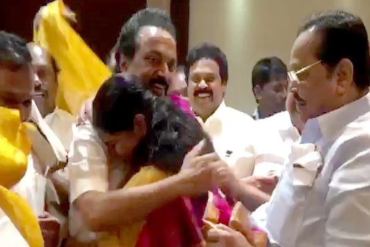 A screengrab from the video where Kanimozhi is seen hugging MK Stalin after her acquittal in the 2G spectrum case.