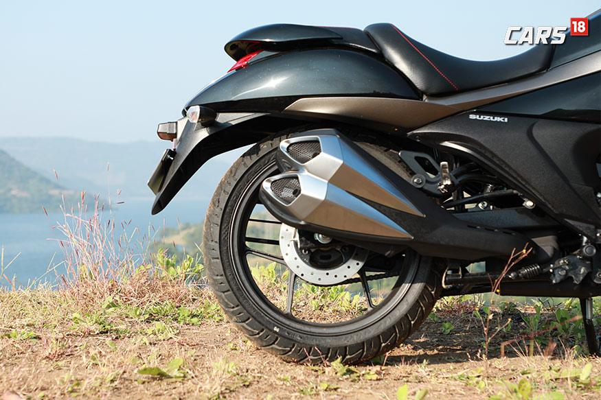 Suzuki-Intruder-150-Rear