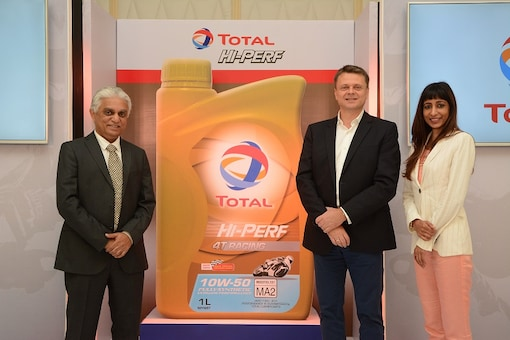 (L-R) Mr. Prakash Jonnalagadda -  Executive Director & CEO of Total Oil India Pvt Ltd's Lubricant Division, Mr. Karoly Repas- Senior Vice President – Sales, Marketing and Technical of Total Oil India Pvt Ltd's Lubricant Division and Ms. Gayatri Ojha – VP (Marketing & Corporate Communications, CSR) Total Oil India at the launch of the Total 'Hi-Perf' range of lubricants for the Motor Cycle Oil segment. (Image: Total)