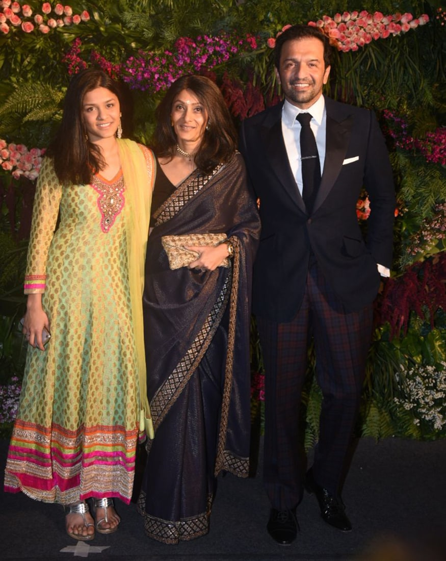 Celebs At Virat Kohli Anushka Sharmas Wedding Reception