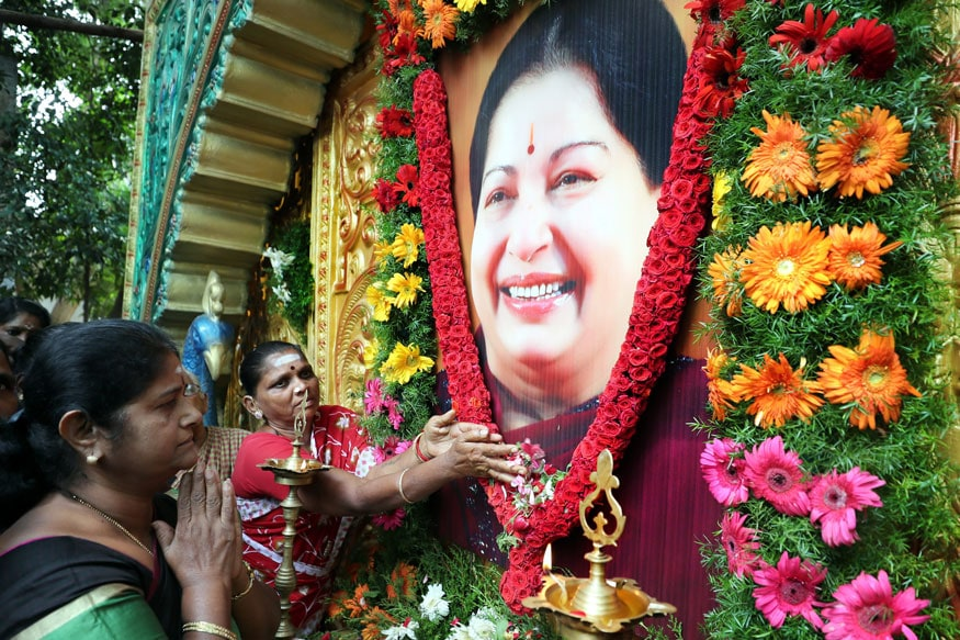 Two Contrasting Versions Deepen Mystery Surrounding Jayalalithaa's Last Days