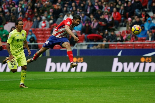 Atletico Madrid's Diego Costa shoots at goal (Image: Reuters)