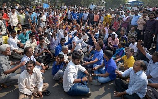 Mumbai: A file photo of  Dalit groups, protesting during the Maharashtra Bandh called over the Bhima Koregaon violence in Mumbai. (Image: PTI)