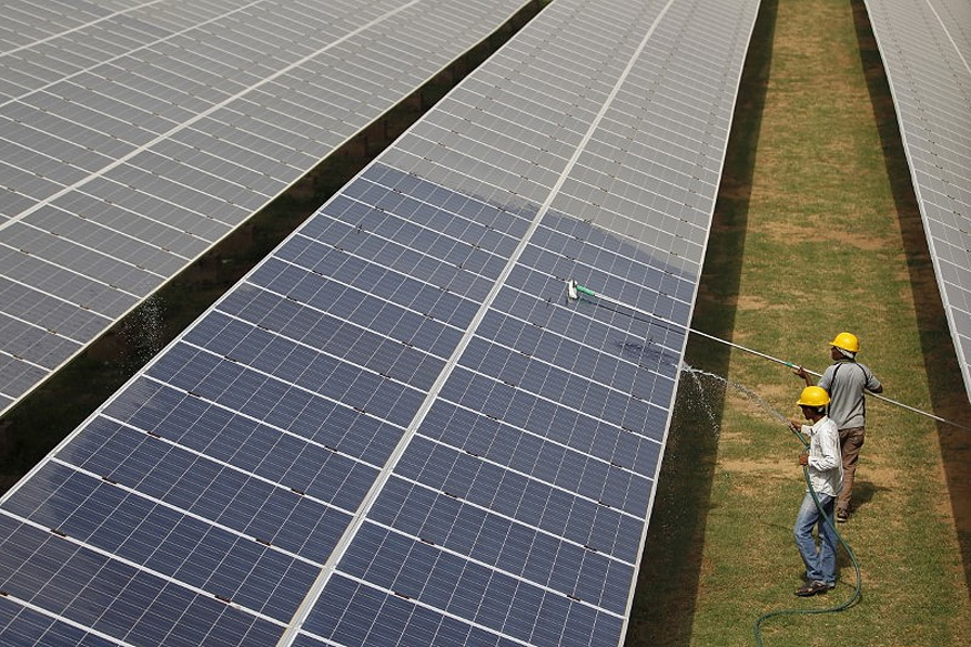 India Doubles Down on Solar, Gas at Coals Expense as Electricity Use