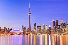 Toronto Hits Record Tourism Numbers in 2017, With 43.7 Million Tourists