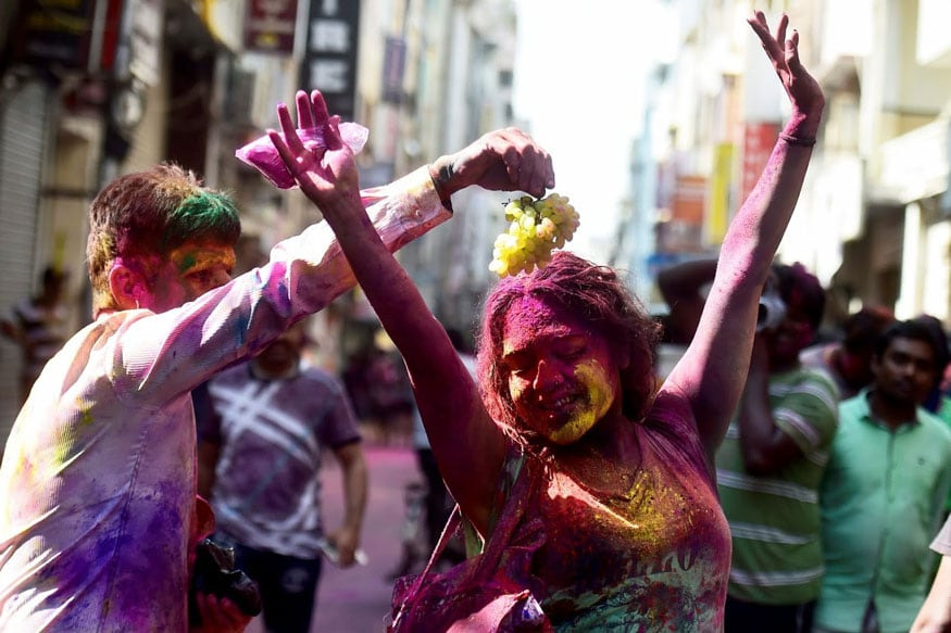 Holi News: 3 Awesome Places To Celebrate Holi In 2018