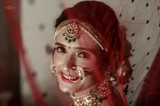 Pankhuri Awasthy is all smiles at her wedding. (Image: Knotting Bells)
