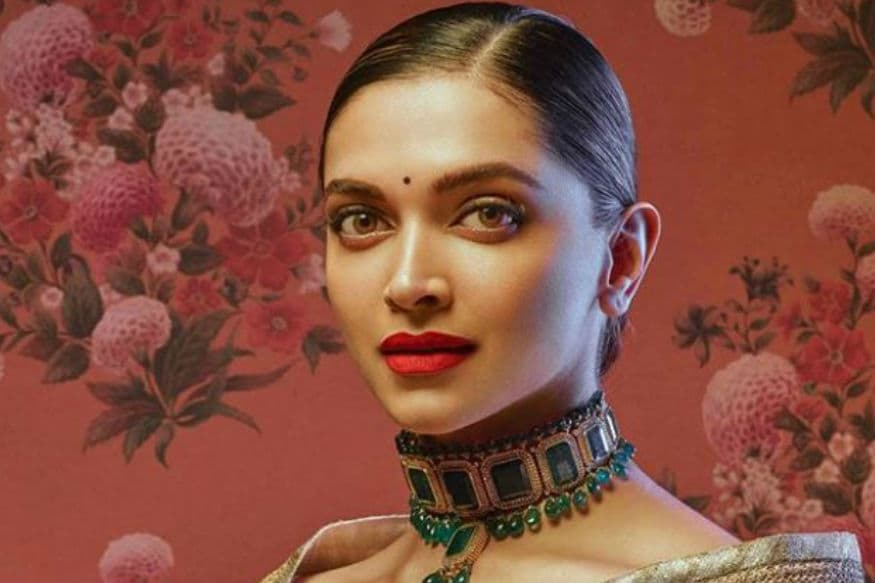 Deepika Padukone Looks Divine As She Turns Muse For Sabyasachi, See Pics - News18