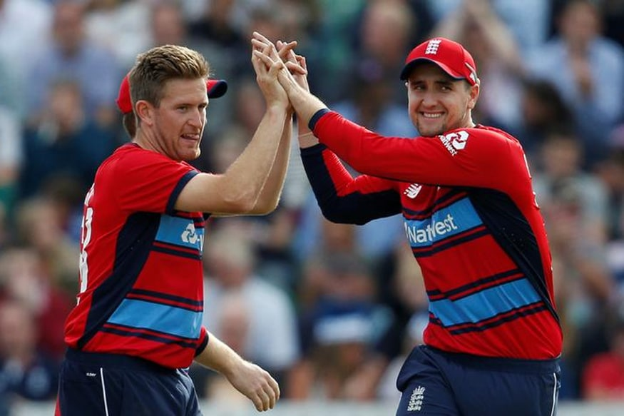 Liam Dawson Ruled Out of Sri Lanka Tour Due to Injury, Joe Denly Brought in as