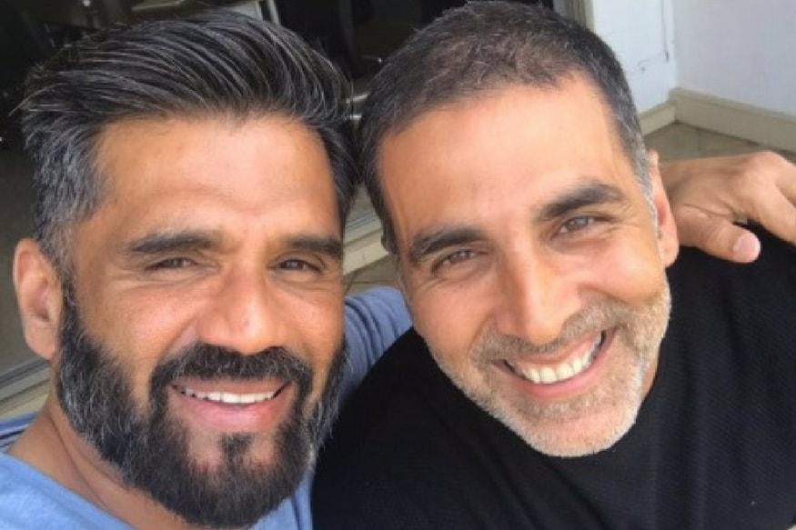 Akshay Kumar Posts a Selfie With Suniel Shetty