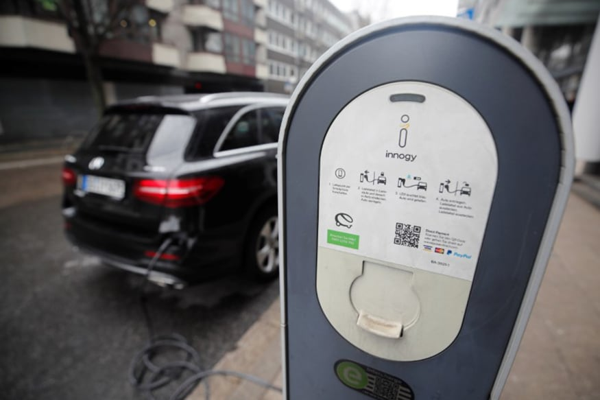 New Electric Car Battery Can be Fully Charged Upto 360 Km in Just 10 Minutes