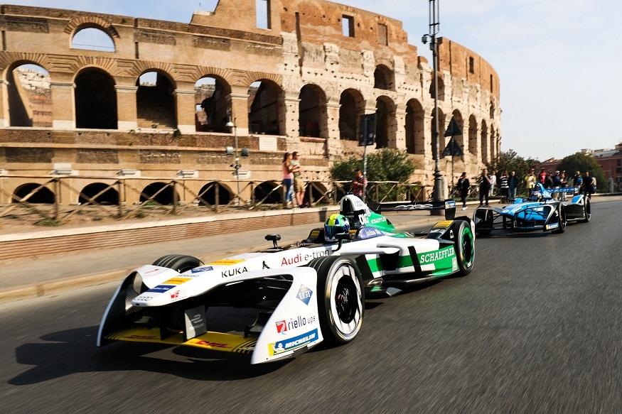 Lucas di Grassi electrifies Rome. (Image: Audi)