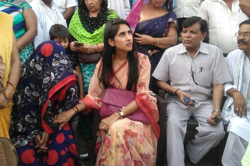 Congress Raebareli MLA Meets Etah Rape victims' Families, Slams BJP Govt for Rise in Crimes
