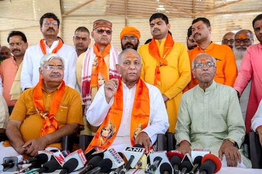 File photo of Vishwa Hindu Parishad (VHP) chief Vishnu Sadashiv Kokje. (PTI photo)