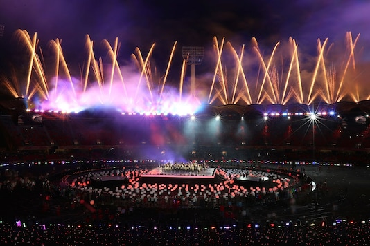 Fireworks light up at Carrara Stadium during the closing ceremony of the 2018 Commonwealth Games on the Gold Coast, Australia on April 15, 2018. (Image: AP)