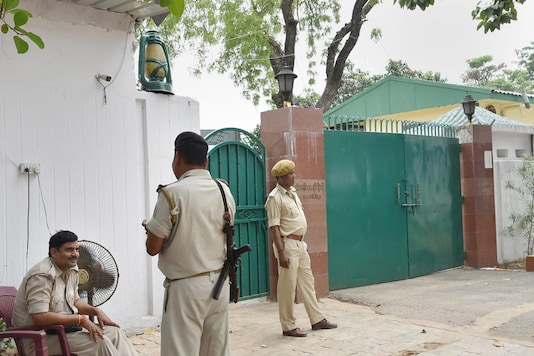 File photo of Rashtriya Janata Dal leader Rabri Devi's residence in Patna. (Image: PTI)