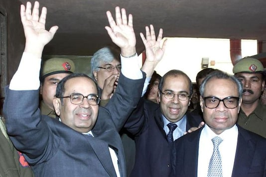 File photo of Srichand Hinduja (L), Gopichand Hinduja (C) and Prakesh Hinduja (R) outside a court in New Delhi. (Image: Reuters)