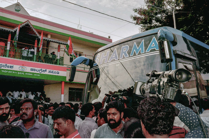 Curious Case of Sharma Bus Ferrying Congress and JD MLAs