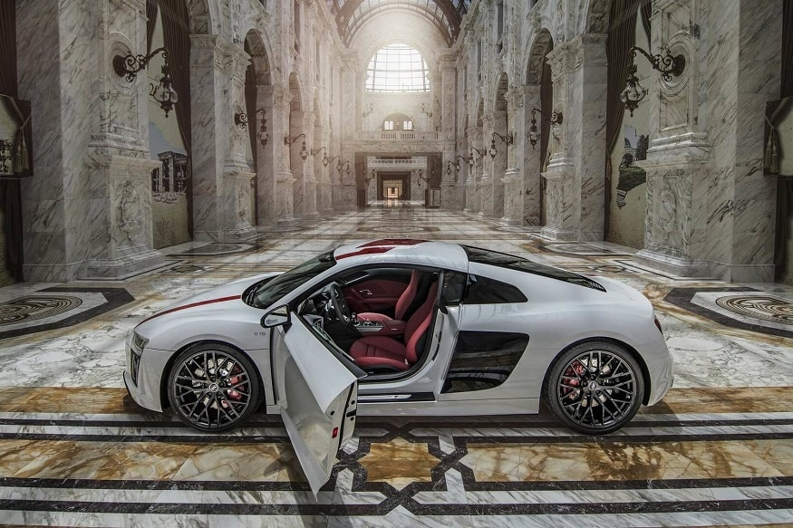 Audi R8 V10 Plus and R8 V10 RWS inside the Al Hazm Mall. (Image: Auditography)