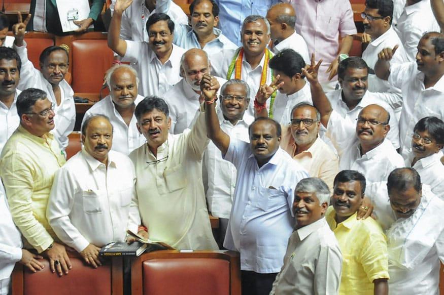 Oppn Unites to Slam BJP; Kumaraswamy Invites Sonia, Akhilesh, Mamata, KCR to Swearing-in on May 23