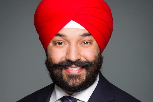 Canadian Minister Asked to Remove Turban at US Airport, He ...