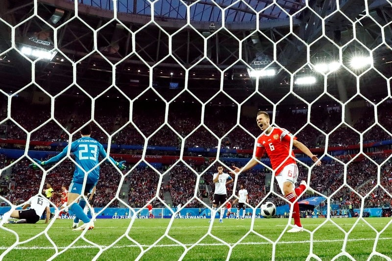 Russia Sour Mohamed Salah's Return To Close In On Last 16