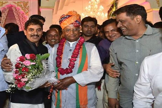 Madan Lal Saini (in centre) was elected unopposed to the Rajya Sabha in March this year. (Photo: Twitter)