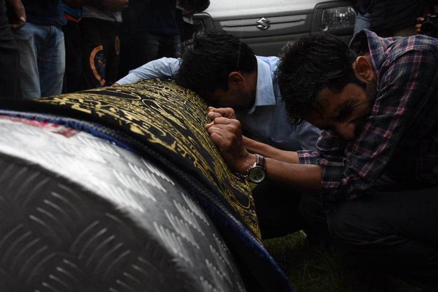 shujaat bukhari funeral 2