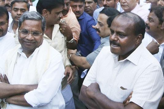 Former Karnataka CM Siddaramaiah (left) and chief minister HD Kumaraswamy.